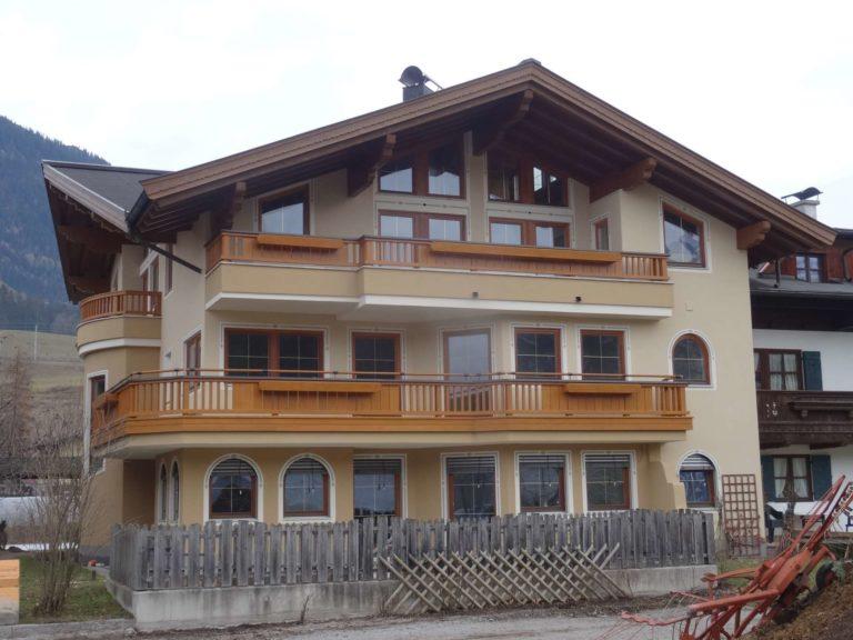 Balkone in Fieberbrunn