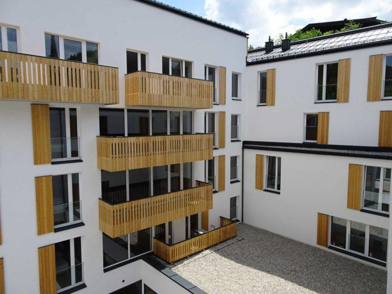 Dachkonstruktion, Balkone und Fassade in Fieberbrunn