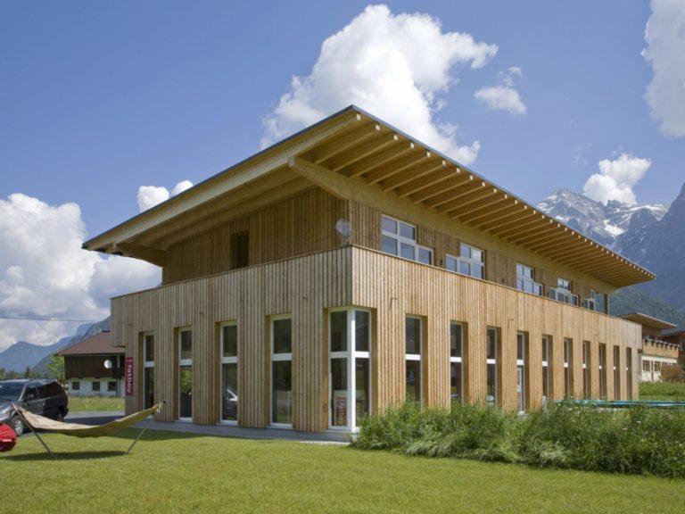 Betriebsgebäude mit Wohnung in St. Ulrich am Pillersee
